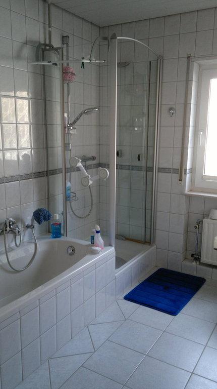 ihr badewannendoktor umbau wanne auf dusche. Black Bedroom Furniture Sets. Home Design Ideas